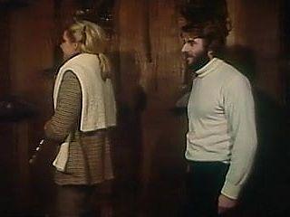La Pension Des Fesses Nues (1980)