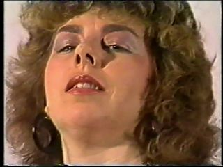 HOUSEWIFE SPECIAL no 10 (UK 1980s)